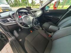 Alfa Romeo-Giulietta-19