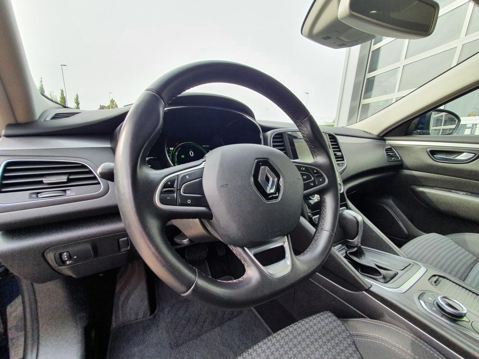 Renault-Talisman Estate-5