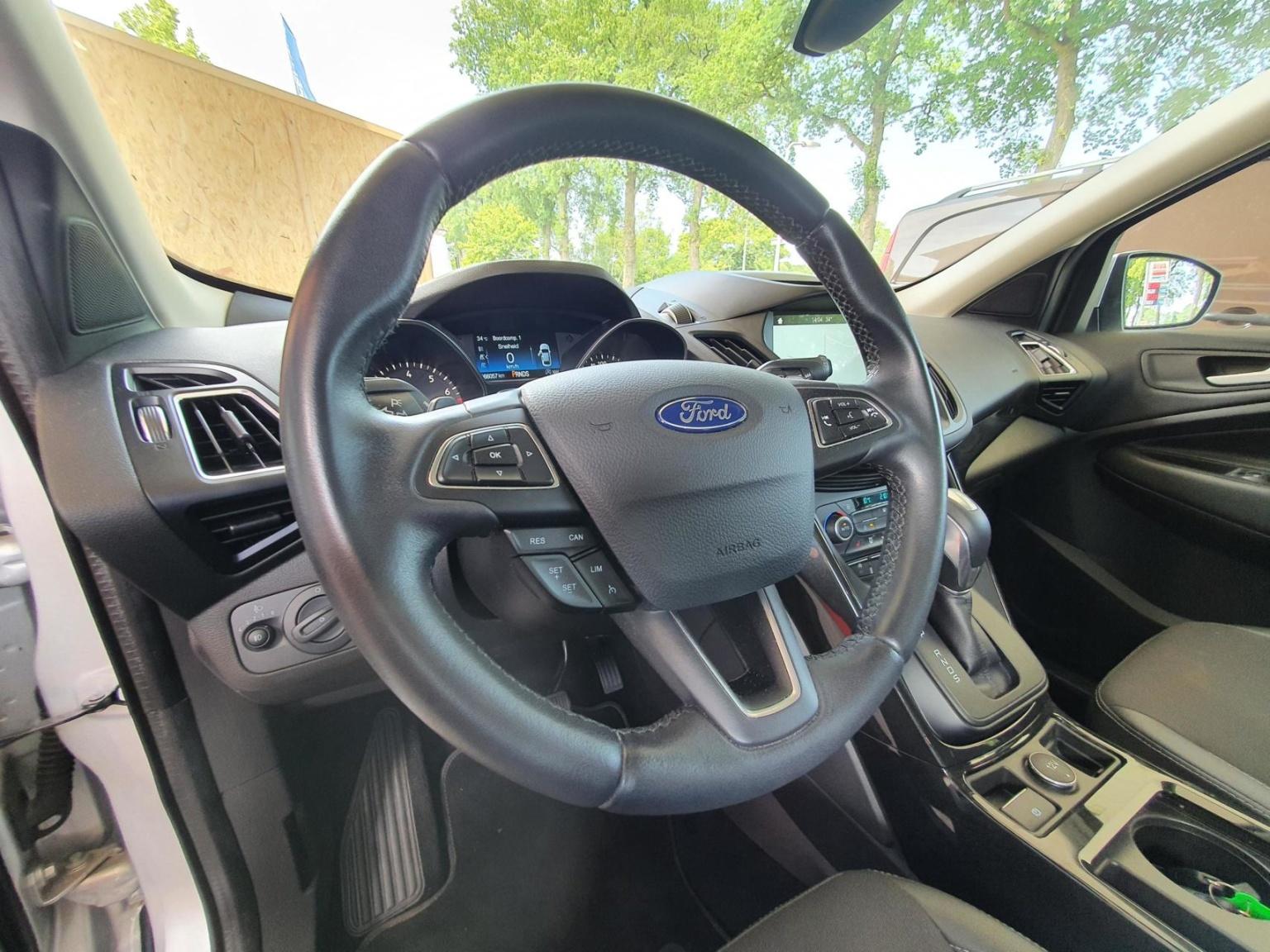 Ford-Kuga-7