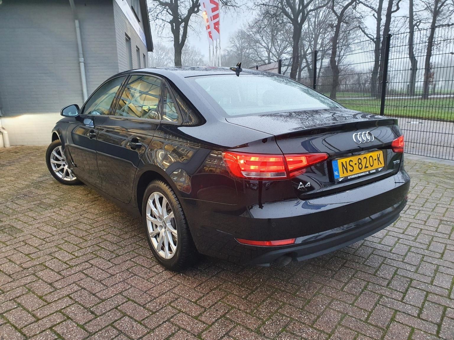 Audi-A4-1
